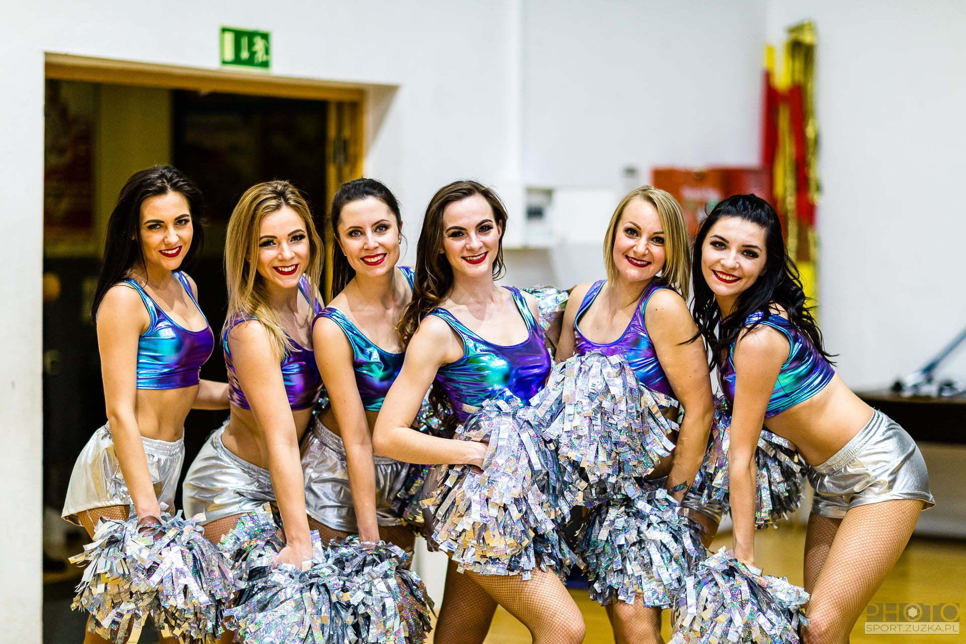2020-03-08 Glow Cheerleaders
